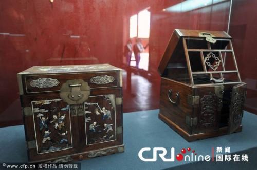 山东至故宫遭窃展厅的部分展品图片 包括被盗文物